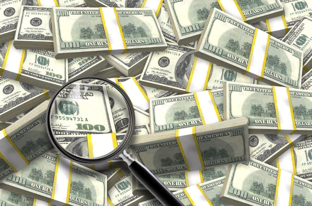 pile-of-dollars_GJMmEdOO.jpg